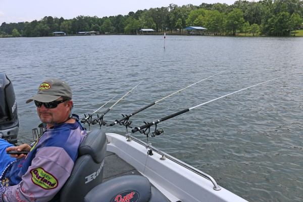 Proper set-up is important for efficient long lining. Brad Chappell is shown relaxing while letting his jigs do the work.
